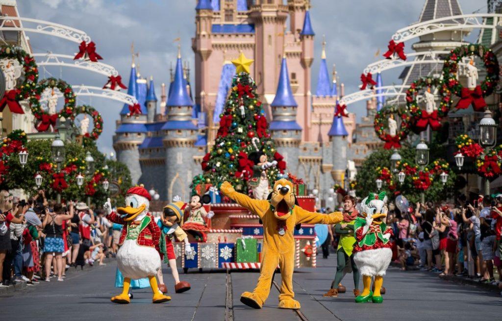 Festive 2020 Holidays at Walt Disney World Parks